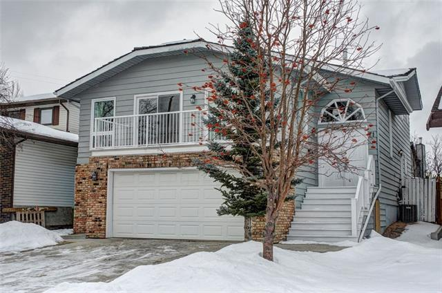 71 Strathclair Rise SW, Calgary, AB T3H 1G3 (#C4165178) :: Redline Real Estate Group Inc