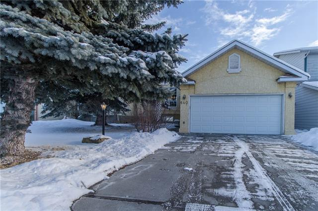640 Shawinigan Drive SW, Calgary, AB T2Y 2H4 (#C4165305) :: The Cliff Stevenson Group