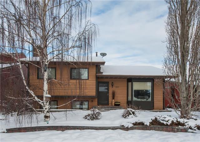 143 Woodburn Crescent, Okotoks, AB T1S 1L4 (#C4165348) :: Canmore & Banff