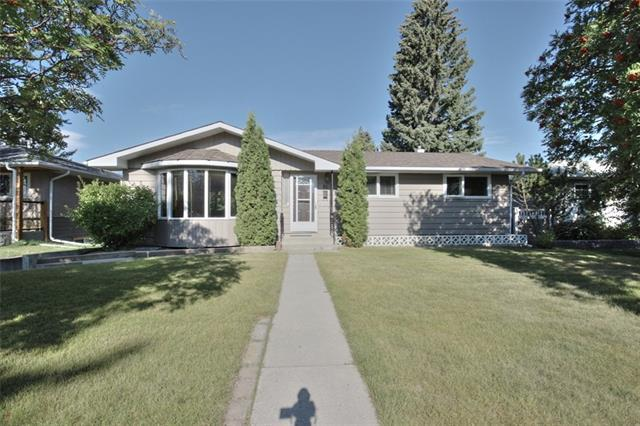 35 Chatham Drive NW, Calgary, AB T2L 0Z5 (#C4165392) :: The Cliff Stevenson Group