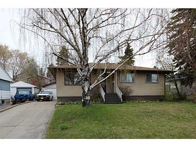 479 Northmount Drive NW, Calgary, AB T2K 3J1 (#C4165408) :: Redline Real Estate Group Inc