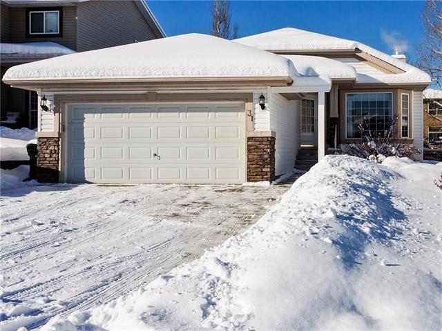 31 Valley Creek Crescent NW, Calgary, AB T3B 5V2 (#C4165574) :: Redline Real Estate Group Inc