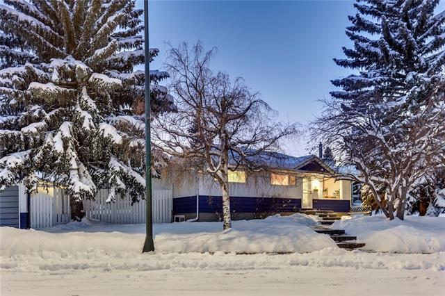 6039 Thornburn Drive NW, Calgary, AB T2K 3P8 (#C4165679) :: The Cliff Stevenson Group