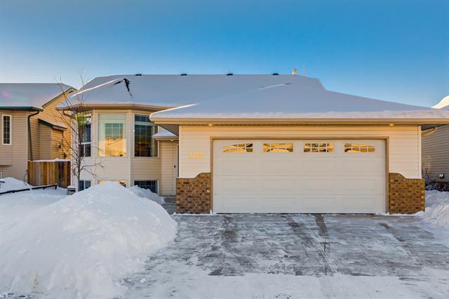 102 Strathford Bay, Strathmore, AB T1P 1P2 (#C4165703) :: Redline Real Estate Group Inc