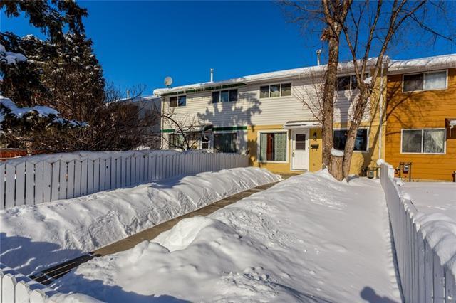 16 Dovercliffe Way SE, Calgary, AB T2B 2C6 (#C4165981) :: Redline Real Estate Group Inc