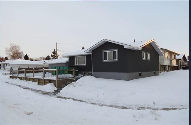 1550 Marlyn Way NE, Calgary, AB T2A 3K6 (#C4165992) :: The Cliff Stevenson Group