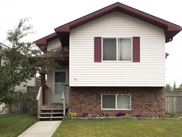 1 Duval Crescent, Red Deer, AB T4R 2Y7 (#C4166051) :: Redline Real Estate Group Inc