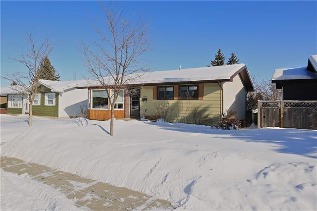 1145 Hunterston Hill(S) NW, Calgary, AB T2K 4P1 (#C4166076) :: The Cliff Stevenson Group