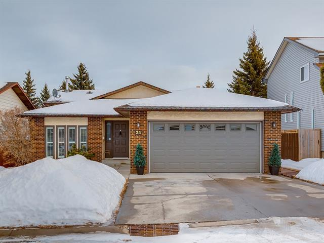 24 Bermondsey Rise NW, Calgary, AB T3K 1T9 (#C4166165) :: Redline Real Estate Group Inc