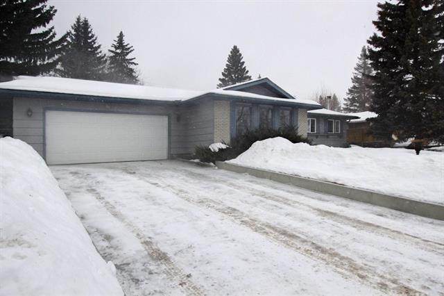 1083 Acadia Drive SE, Calgary, AB T2J 0E4 (#C4166177) :: The Cliff Stevenson Group