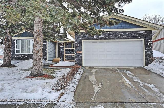 584 Woodpark Boulevard SW, Calgary, AB T2W 3R5 (#C4166183) :: The Cliff Stevenson Group
