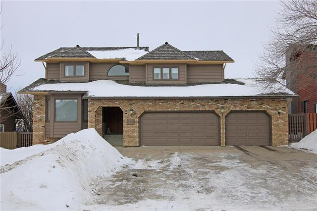 176 Edelweiss Drive NW, Calgary, AB T3A 3P9 (#C4166199) :: Tonkinson Real Estate Team