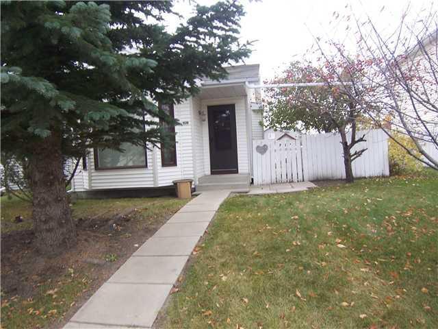 109 Taradale Drive NE, Calgary, AB T3J 3E4 (#C4166231) :: The Cliff Stevenson Group