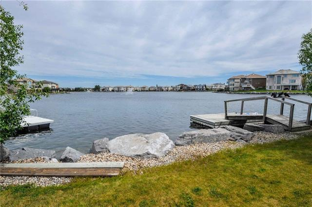 36 Coral Shores Cove NE, Calgary, AB T3J 3J5 (#C4166238) :: The Cliff Stevenson Group