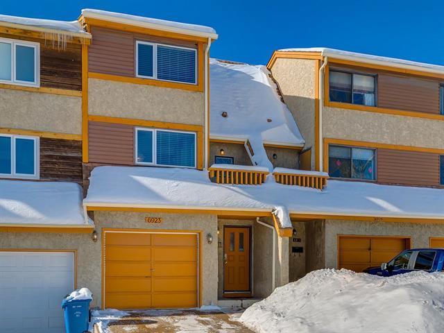 6923 Ranchero Road NW, Calgary, AB T3G 1J6 (#C4166292) :: Canmore & Banff