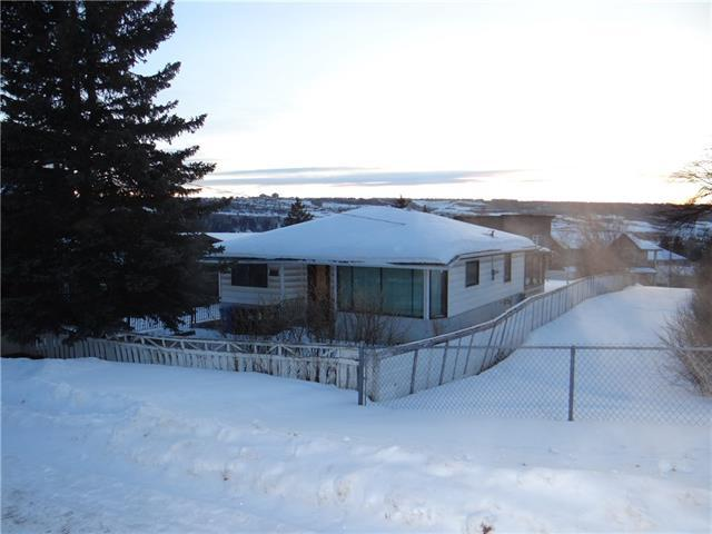 2511 48 Street NW, Calgary, AB T3B 1B8 (#C4166441) :: The Cliff Stevenson Group