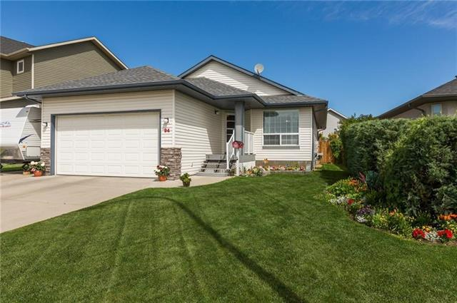 94 Park Lane Drive, Strathmore, AB T1P (#C4166453) :: Redline Real Estate Group Inc