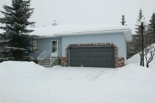30 Valley Ridge Heights NW, Calgary, AB T3B 5T3 (#C4166664) :: Redline Real Estate Group Inc