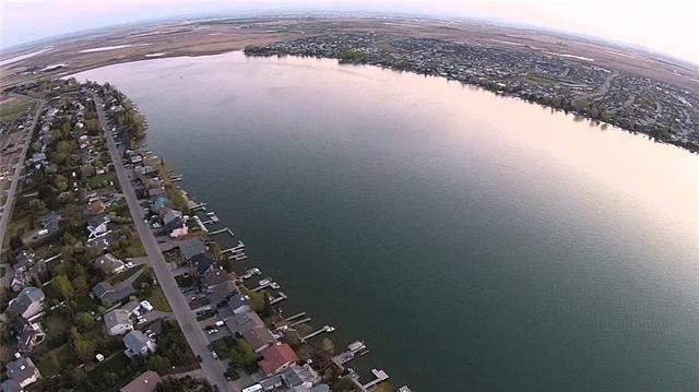 876 East Lakeview Road, Chestermere, AB T1X 0W7 (#C4166668) :: The Cliff Stevenson Group