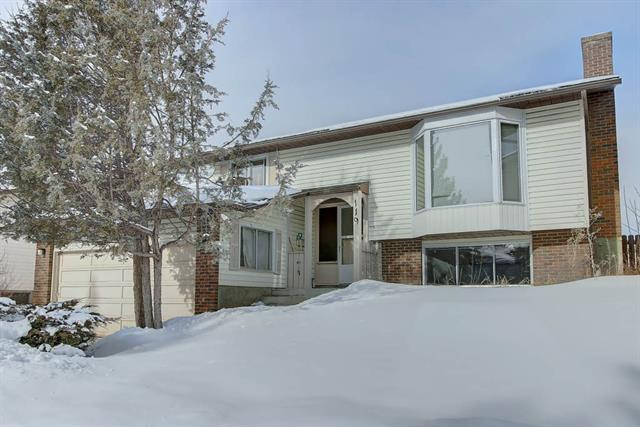 119 Woodside Circle SW, Calgary, AB T2W 3K1 (#C4167231) :: Canmore & Banff
