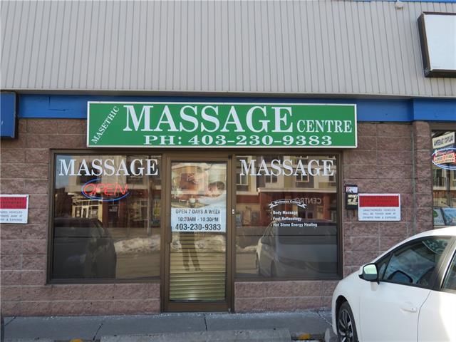 2101A Centre Street NW, Calgary, AB T2E 2T2 (#C4167489) :: Redline Real Estate Group Inc