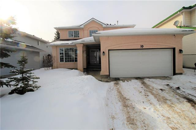 19 Woodpark Close SW, Calgary, AB T2W 6G2 (#C4167524) :: Canmore & Banff