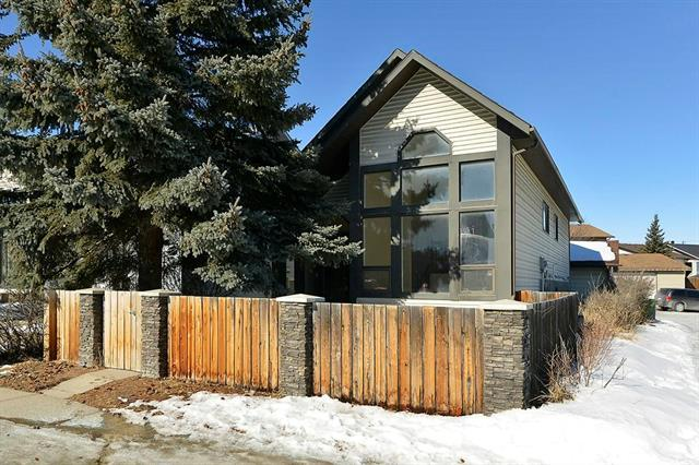 147 Bedfield Close NE, Calgary, AB T3K 3L1 (#C4167983) :: Express Capital