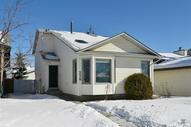 236 Hawkwood Boulevard NW, Calgary, AB T3G 3E8 (#C4168025) :: Tonkinson Real Estate Team
