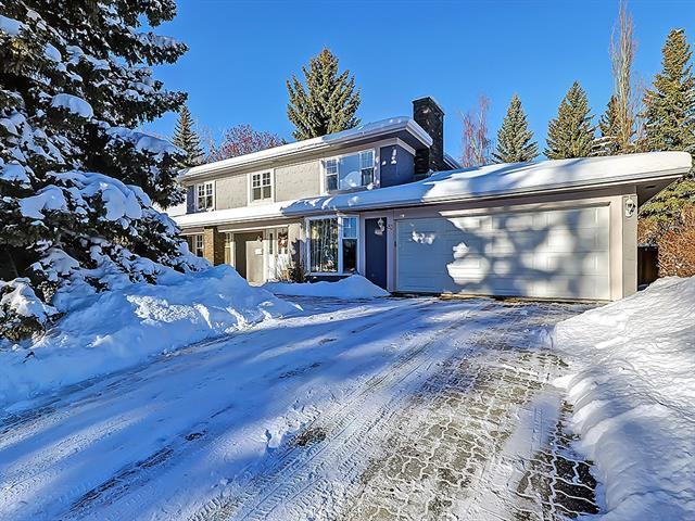 83 Canata Close SW, Calgary, AB T2W 1P8 (#C4168084) :: Canmore & Banff