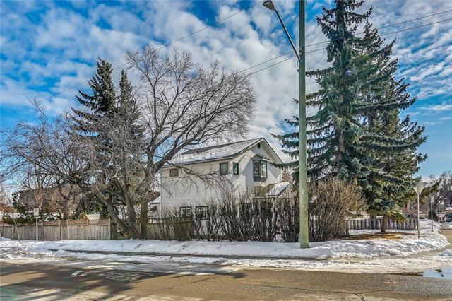 1706 28 Street SW, Calgary, AB T3C 1L9 (#C4168156) :: Canmore & Banff
