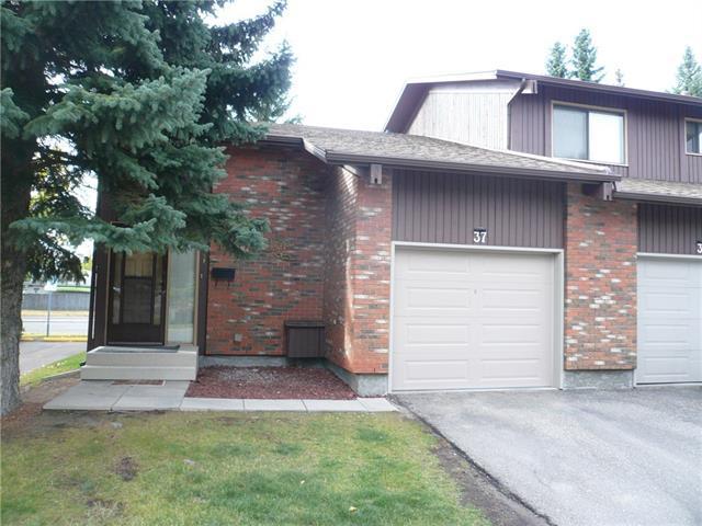 2323 Oakmoor Drive SW #37, Calgary, AB T2V 4T2 (#C4170197) :: Redline Real Estate Group Inc