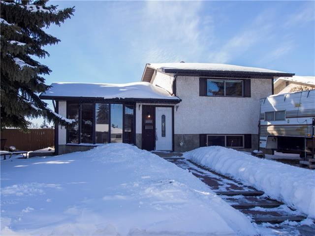 1072 Penrith Crescent SE, Calgary, AB T2A 2H7 (#C4171436) :: Canmore & Banff