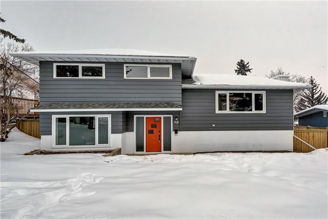 98 Snowdon Crescent SW, Calgary, AB T2W 0S3 (#C4171679) :: Canmore & Banff
