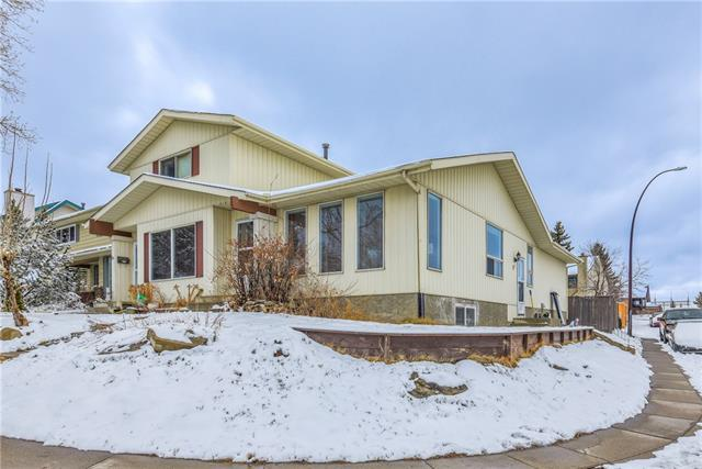 57 Strathcona Crescent SW, Calgary, AB T3H 1L2 (#C4171716) :: Canmore & Banff