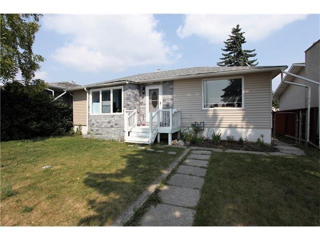816 69 Avenue SW, Calgary, AB T2V 2L1 (#C4171909) :: Redline Real Estate Group Inc
