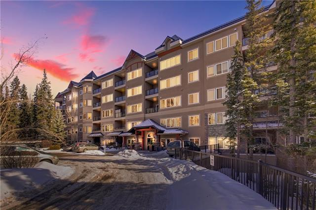 20 Discovery Ridge Close SW #340, Calgary, AB T3H 5X4 (#C4172025) :: Canmore & Banff