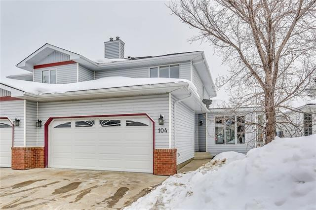 104 Scenic Gardens NW, Calgary, AB T3L 1Y6 (#C4172042) :: Canmore & Banff