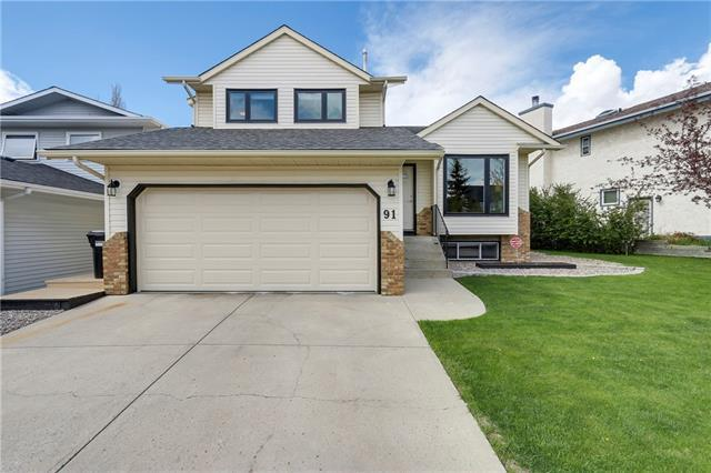 91 Hawkford Crescent NW, Calgary, AB T3G 3G6 (#C4172120) :: Canmore & Banff
