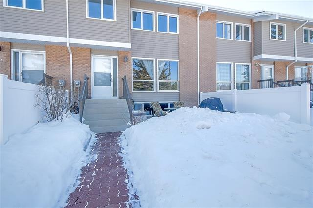 116 Silver Crest Drive NW #20, Calgary, AB T3B 4N9 (#C4172154) :: Canmore & Banff