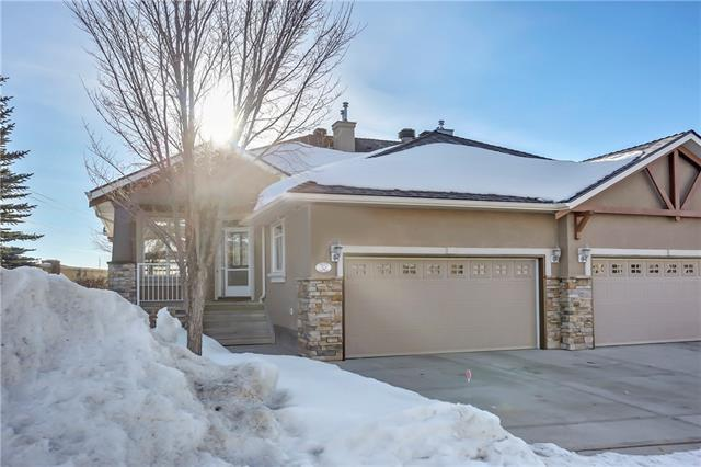 32 Discovery Woods Villa(S) SW, Calgary, AB T3H 5A7 (#C4172178) :: Canmore & Banff