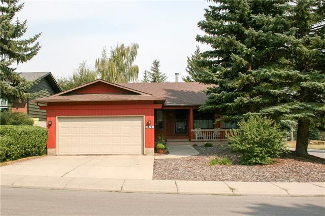 856 Oakside Circle SW, Calgary, AB T2V 4P7 (#C4172203) :: Canmore & Banff