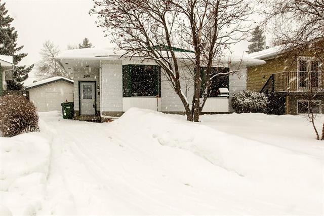 240 Sabrina Bay SW, Calgary, AB T2W 1Z1 (#C4172207) :: Canmore & Banff