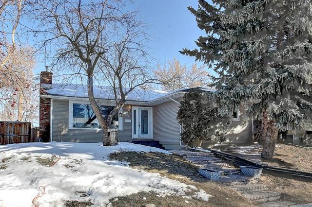 100 Allandale Close SE, Calgary, AB T2H 1V9 (#C4172368) :: Canmore & Banff