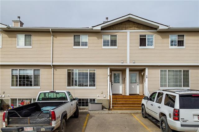 304 Ross Avenue #9, Cochrane, AB T4C 1T1 (#C4172562) :: Redline Real Estate Group Inc