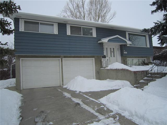 7403 Hunterview Drive NW, Calgary, AB T2K 4P6 (#C4172707) :: Canmore & Banff