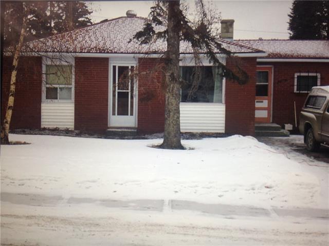 7724 46 Avenue NW, Calgary, AB T3B 1Y2 (#C4172886) :: Canmore & Banff