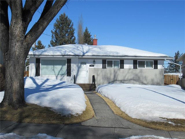 44 Armstrong Crescent SE, Calgary, AB T2J 0X3 (#C4173054) :: Express Capital