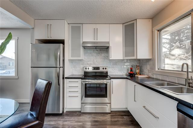 1463 43 Street NE, Calgary, AB T2A 3L5 (#C4173086) :: Canmore & Banff