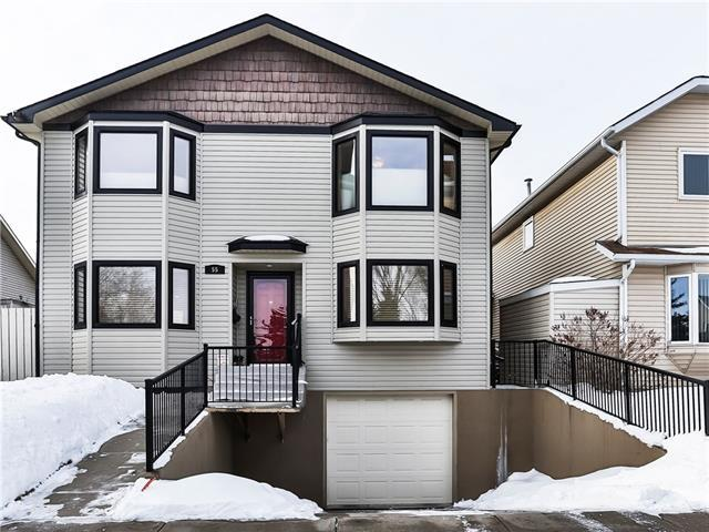 55 Appletree Close SE, Calgary, AB T2A 7J1 (#C4173374) :: Canmore & Banff