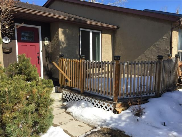 1048 Ranchview Road NW, Calgary, AB T3G 1R9 (#C4173473) :: Canmore & Banff